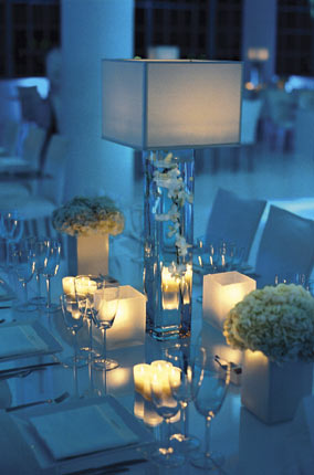 Low centerpieces will be the top contender for 2009 weddings