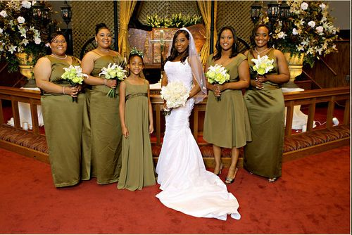 Lachrissa bridal party
